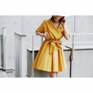 <img class='new_mark_img1' src='//img.shop-pro.jp/img/new/icons8.gif' style='border:none;display:inline;margin:0px;padding:0px;width:auto;' />V-neck Yellow Cotton One-piece<br>[YELLOW]