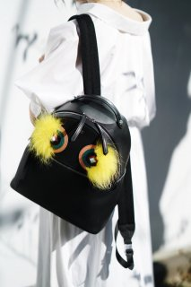 <img class='new_mark_img1' src='//img.shop-pro.jp/img/new/icons8.gif' style='border:none;display:inline;margin:0px;padding:0px;width:auto;' />FENDI<br>Bugs Backpack