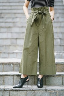 <img class='new_mark_img1' src='//img.shop-pro.jp/img/new/icons8.gif' style='border:none;display:inline;margin:0px;padding:0px;width:auto;' />High-waist Green Wide Pants<br>[Green]