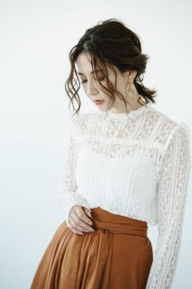 <img class='new_mark_img1' src='//img.shop-pro.jp/img/new/icons8.gif' style='border:none;display:inline;margin:0px;padding:0px;width:auto;' />Classical Lace Blouse<br>[White]