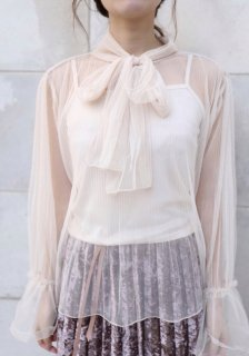 <img class='new_mark_img1' src='https://img.shop-pro.jp/img/new/icons38.gif' style='border:none;display:inline;margin:0px;padding:0px;width:auto;' />Mesh Tie Blouse[Beige]<br>【残り1点】