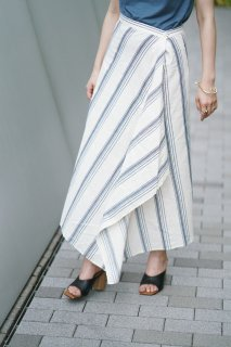 <img class='new_mark_img1' src='//img.shop-pro.jp/img/new/icons8.gif' style='border:none;display:inline;margin:0px;padding:0px;width:auto;' />Stripe Design Long Skirt<br>[BLUE×WHITE]