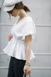 <img class='new_mark_img1' src='//img.shop-pro.jp/img/new/icons8.gif' style='border:none;display:inline;margin:0px;padding:0px;width:auto;' />Stripe  Frill Blouse<br>[White/Mustard]