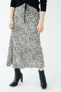 <img class='new_mark_img1' src='//img.shop-pro.jp/img/new/icons8.gif' style='border:none;display:inline;margin:0px;padding:0px;width:auto;' />Leopard Design Skirt<br>[S/M]