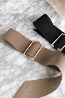 <img class='new_mark_img1' src='https://img.shop-pro.jp/img/new/icons38.gif' style='border:none;display:inline;margin:0px;padding:0px;width:auto;' />Square Buckle Belt<br>[BLACK/BEIGE]