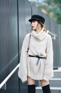 <img class='new_mark_img1' src='https://img.shop-pro.jp/img/new/icons38.gif' style='border:none;display:inline;margin:0px;padding:0px;width:auto;' />Turtleneck Oversize Knit P/O<br>[BEIGE]