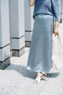 <img class='new_mark_img1' src='https://img.shop-pro.jp/img/new/icons8.gif' style='border:none;display:inline;margin:0px;padding:0px;width:auto;' />Satin Flare Skirt<br>BLACK/LIGHTBLUE]