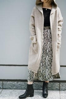 <img class='new_mark_img1' src='https://img.shop-pro.jp/img/new/icons8.gif' style='border:none;display:inline;margin:0px;padding:0px;width:auto;' />Hood Long Knit Cardigan<br>[KHAKI/BEIGE]