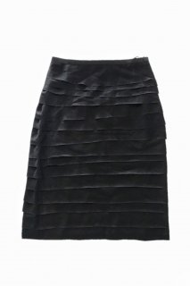 <img class='new_mark_img1' src='https://img.shop-pro.jp/img/new/icons38.gif' style='border:none;display:inline;margin:0px;padding:0px;width:auto;' />LANVIN<br>Tiered Slim Skirt【Specialprice限定】