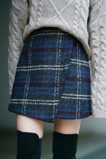 <img class='new_mark_img1' src='https://img.shop-pro.jp/img/new/icons8.gif' style='border:none;display:inline;margin:0px;padding:0px;width:auto;' />Wool Check Mini Skirt<br>[NAVY]