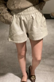<img class='new_mark_img1' src='https://img.shop-pro.jp/img/new/icons38.gif' style='border:none;display:inline;margin:0px;padding:0px;width:auto;' />Eco-leather short pants <br>[BLUE/WHITE][SAMPLE]