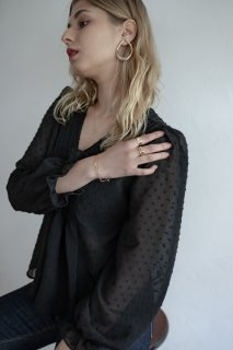 <img class='new_mark_img1' src='https://img.shop-pro.jp/img/new/icons8.gif' style='border:none;display:inline;margin:0px;padding:0px;width:auto;' />Sheer Dot Blouse<br>[BLACK]