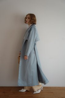 <img class='new_mark_img1' src='https://img.shop-pro.jp/img/new/icons8.gif' style='border:none;display:inline;margin:0px;padding:0px;width:auto;' />Satin Long Trench Coat<br>[BEIGE/BLUE]