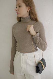 <img class='new_mark_img1' src='https://img.shop-pro.jp/img/new/icons8.gif' style='border:none;display:inline;margin:0px;padding:0px;width:auto;' />Natural Turtle-neck Tops<br>[BEIGE]