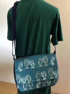 Chiara メッセンジャーバッグ ワイヤーメンフクロウ 深緑