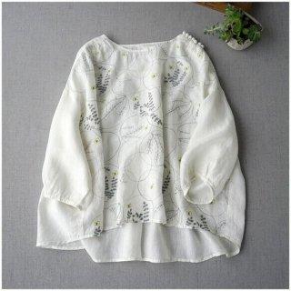 【ホワイト】リネン100%前身総刺繍後身タック付大人可愛いトップス♪