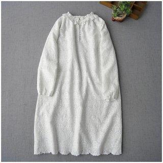 ★2021新作★総刺繍リネン100%アンティーク風フリル衿、クルミ釦付き大人可愛いワンピン♪【ホワイト】