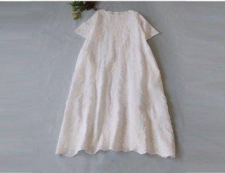 リネン100%総刺繡ポケット付きシンプルな大人可愛い半袖ワンピース♪