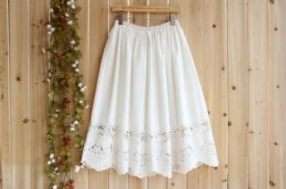 【送料無料】高級刺繍レース生地使い裏地付大人可愛いスカート♪