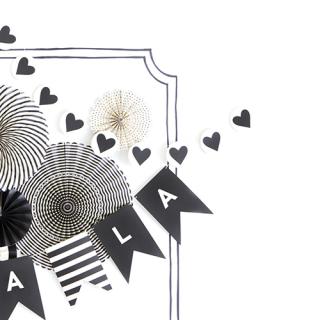 ガーランド<br>【 Black & White Heart 】