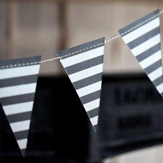 ガーランド<br>【Black & White Pennant】