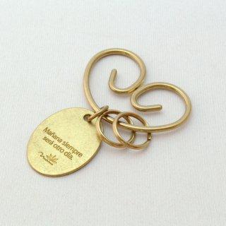 フックの形が印象的な真鍮のキーホルダー | DURAM くるくるキーホルダー タグ 楕円10013
