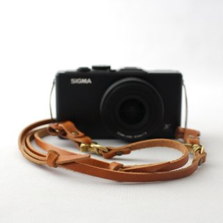 ナチュラルな革のカメラストラップ 革小物のduram online shop