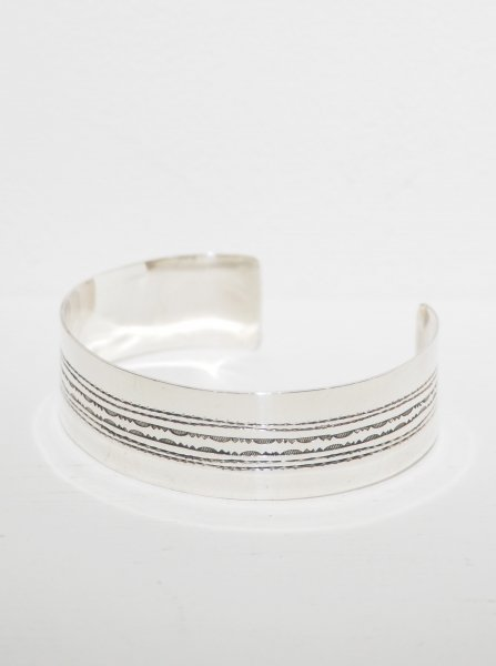 <img class='new_mark_img1' src='https://img.shop-pro.jp/img/new/icons14.gif' style='border:none;display:inline;margin:0px;padding:0px;width:auto;' />[TOUAREG SILVER] BANGLE-05