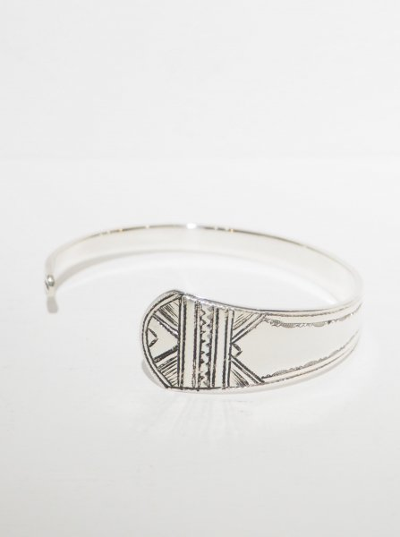 <img class='new_mark_img1' src='https://img.shop-pro.jp/img/new/icons14.gif' style='border:none;display:inline;margin:0px;padding:0px;width:auto;' />[TOUAREG SILVER] BANGLE-06