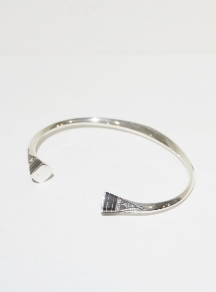 <img class='new_mark_img1' src='https://img.shop-pro.jp/img/new/icons14.gif' style='border:none;display:inline;margin:0px;padding:0px;width:auto;' />[TOUAREG SILVER] BANGLE-02