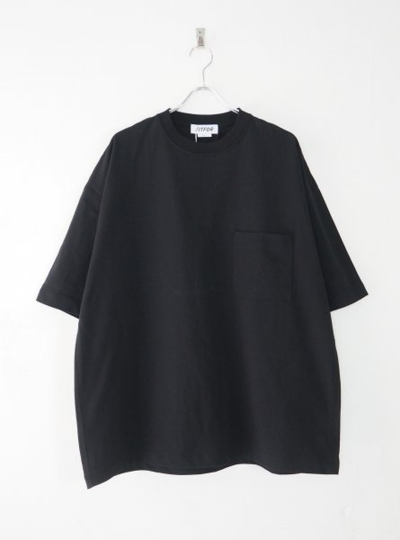 <img class='new_mark_img1' src='https://img.shop-pro.jp/img/new/icons14.gif' style='border:none;display:inline;margin:0px;padding:0px;width:auto;' />[FITFOR] WIDE BOX TEE -BLACK-