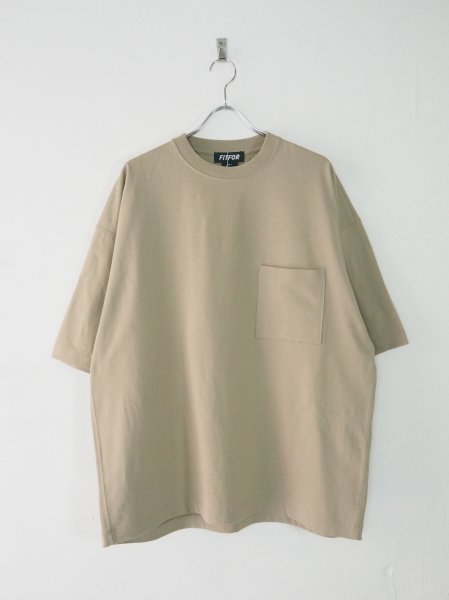 <img class='new_mark_img1' src='https://img.shop-pro.jp/img/new/icons14.gif' style='border:none;display:inline;margin:0px;padding:0px;width:auto;' />[FITFOR] WIDE BOX TEE -BEIGE-