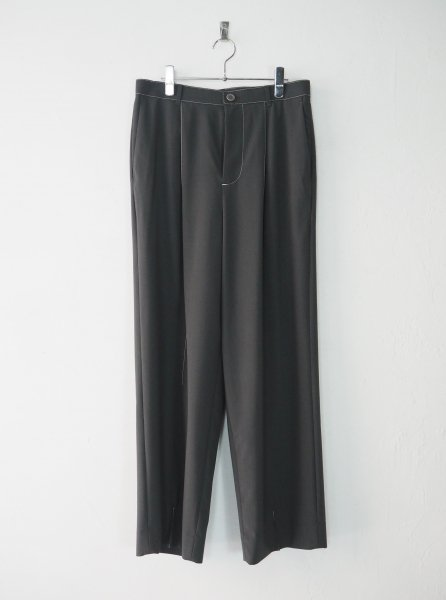 <img class='new_mark_img1' src='https://img.shop-pro.jp/img/new/icons14.gif' style='border:none;display:inline;margin:0px;padding:0px;width:auto;' />[DIGAWEL] STITCH 1 TUCK PANTS -GRAY-