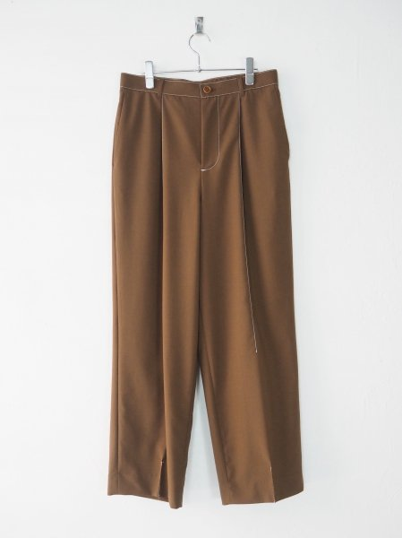 <img class='new_mark_img1' src='https://img.shop-pro.jp/img/new/icons14.gif' style='border:none;display:inline;margin:0px;padding:0px;width:auto;' />[DIGAWEL] STITCH 1 TUCK PANTS -BROWN-