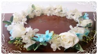 プリザーブドフラワーのバラとブルースターの花冠 大人用