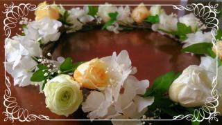 プリザーブドフラワーのバラとアイビーの花冠