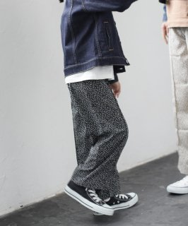 OUTLET FLOWER WIDE PANTS<img class='new_mark_img2' src='https://img.shop-pro.jp/img/new/icons20.gif' style='border:none;display:inline;margin:0px;padding:0px;width:auto;' />