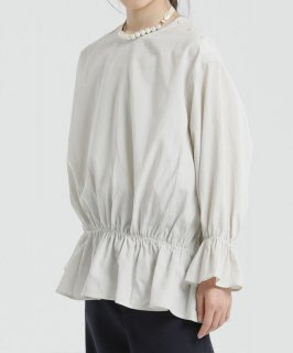 DRAWSTRING BLOUSE<img class='new_mark_img2' src='https://img.shop-pro.jp/img/new/icons2.gif' style='border:none;display:inline;margin:0px;padding:0px;width:auto;' />
