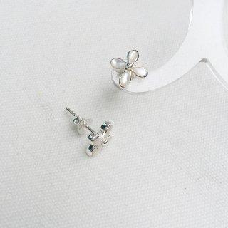 白蝶貝 フラワーピアス・ノンホールピアス
