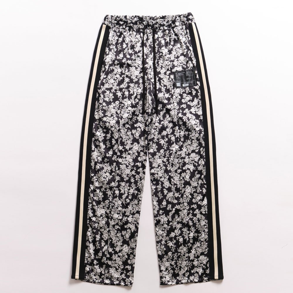 <img class='new_mark_img1' src='https://img.shop-pro.jp/img/new/icons14.gif' style='border:none;display:inline;margin:0px;padding:0px;width:auto;' />2021SS collection Jacquard Track Pants