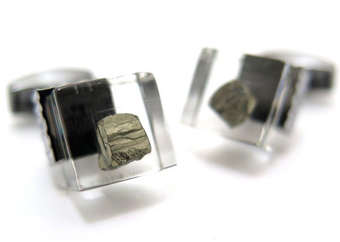 TATEOSSIAN(タテオシアン) ユニーク パイライトインレジンカフス(ガンメタル)(カフスボタン/カフリンクス) - ブランドの画像