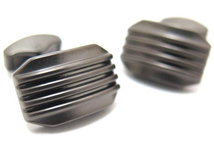 TATEOSSIAN(タテオシアン) ビジネス 禅ムーンライトカフス(ブラッシュドガンメタル)(カフスボタン/カフリンクス) - ブランドの画像