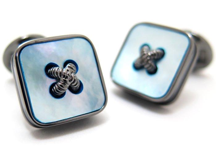 TATEOSSIAN(タテオシアン) ビジネス 半貴石ボタンのかがみカフス(青蝶貝)世界限定300セット(カフスボタン/カフリンクス) - ブランドの画像