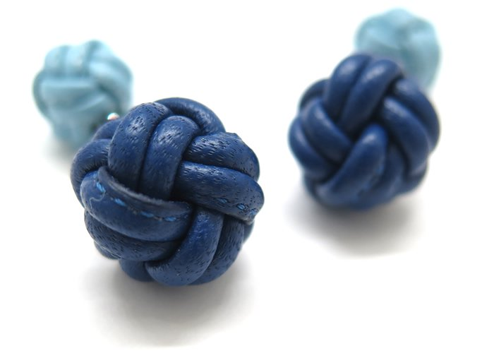 TATEOSSIAN(タテオシアン) ードペッレレザーカフス(ネイビー&ブルー)(カフスボタン/カフリンクス) - ブランドの画像
