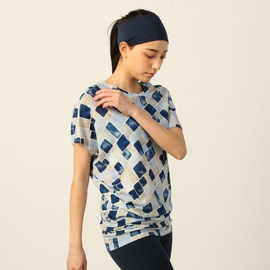 YOGA LOOSE TEE Printed ヨガ ルーズTシャツ キューブ 半袖 【スポーツウェア ヨガウェア】