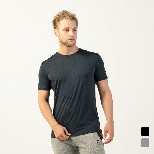 M MADE BETTER TEE(ライトウェイト140g)メンズ半袖グラフィックプメリノベターTシャツ【スポーツウェア ヨガ・アウトドアウェア】