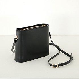 SHOULDER BAG SMALL / ブラック