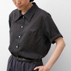 エレガントに涼感を纏うクールサマー・リヨセルコットンリネンシャツ / 墨黒