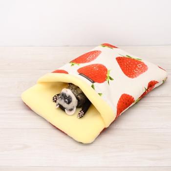 おおきないちご おふとん寝袋 Mサイズ