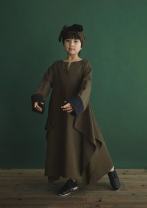 <img class='new_mark_img1' src='https://img.shop-pro.jp/img/new/icons20.gif' style='border:none;display:inline;margin:0px;padding:0px;width:auto;' />30%OFF Folklore Dress / OLIVE DARB / GRIS (グリ)2020aw